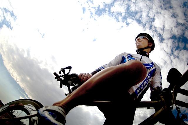 cyklista s brýlemi.jpg