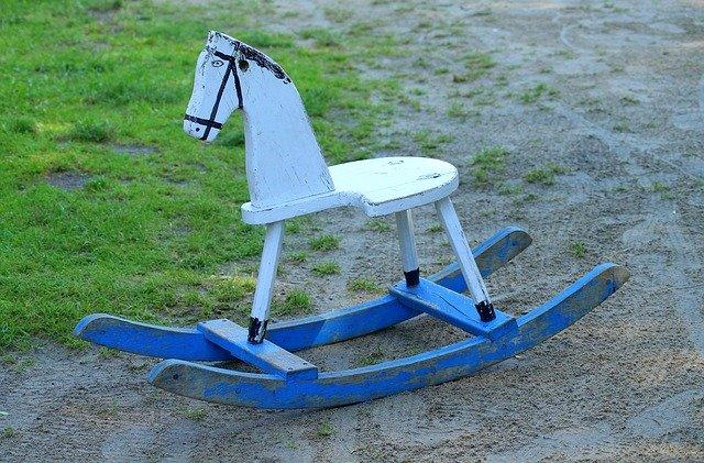 houpací koník retro